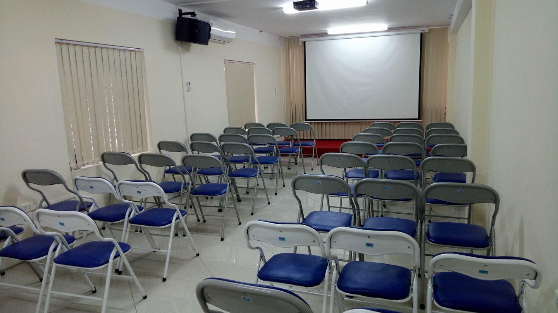 Trung tâm iRe cho thuê lớp học Ngã Tư Sở – phòng đẹp chuẩn, chất lượng cao!